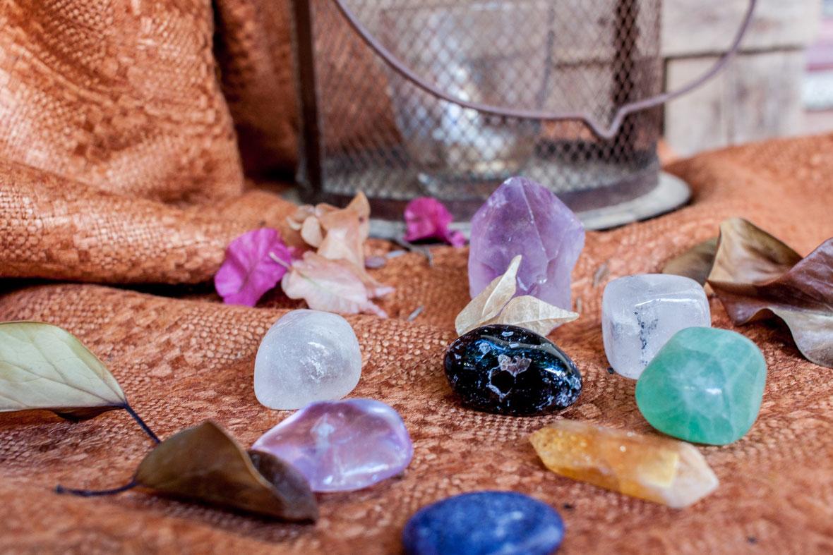 Cristales energéticos, piedras con energía, piedras energéticas, cuarzo, amatista, fluorita, cristales de sanación, piedras sanadoras Esmagic